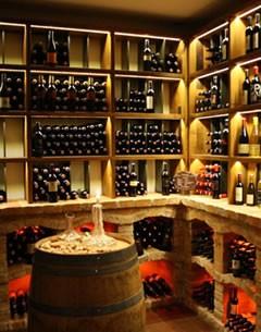 Tirol - Möbel wie guter Wein
