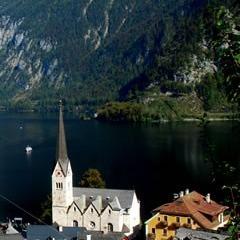 Oberösterreich - Hallstatt: Millionenfach fotografiert - einmal kopiert - nie erreicht